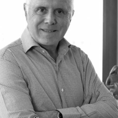 Doctor Carlos Galilea de Clínica Ginestética